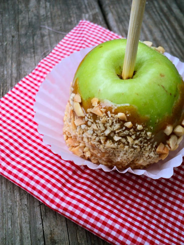 Vegan caramel apples