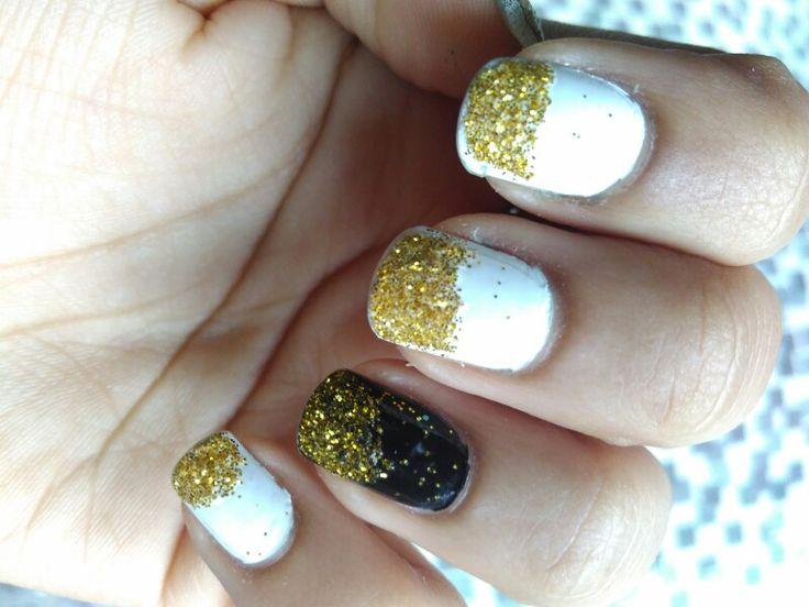 Glitter nails #diy #white #black #golden #glitter