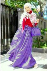 Set Hijab Jolyn Bahan: Atasan Spandek + Rok Velvet + Pashmina Chiffon Motif Free Belt Size: Fit L Kode Produk: M4735 Harga: Rp. 67.000