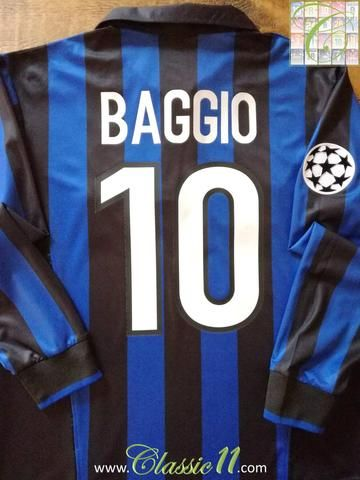 Vintage Nike Internazionale home long sleeve football shirt from the 1998/1999 European season. Complete with Baggio #10 on the back of the shirt and Champions League patch on the sleeve.