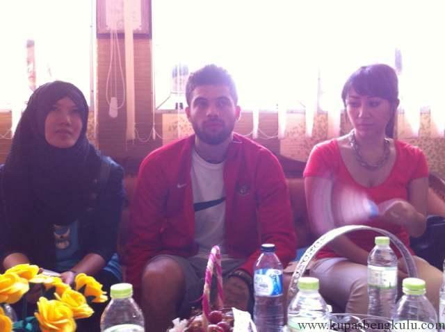 Kedatangan Diego Disambut Teriakan Histeris Siswi SMAN 1 Kota Bengkulu