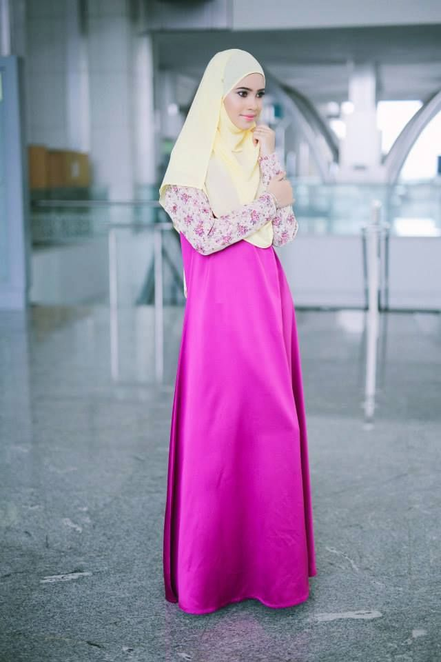 PROMO SET SHAWL+JUBAH  heart emoticon ZARA ENGLISH LACE JUBAH heart emoticon  Code : CHZE LJ (32) Fuschia Pink Price : RM199.00 including postage  Kindly PM us to order, tqvm