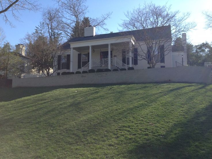 Beautiful Louisville, Kentucky, Derby weekend 2017 house to rent—great location with lots of flexibility. #kyderby #kentucky #derby #louisville