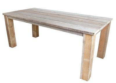 Tisch aus Bauholz