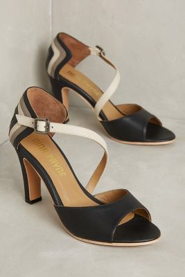 http://www.anthropologie.com/anthro/product/39704515.jsp?color=009&cm_mmc=userselection-_-product-_-share-_-39704515