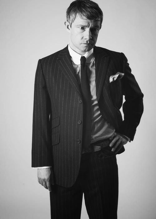 Martin Freeman... oh another one of him in a suit! WOW! <3