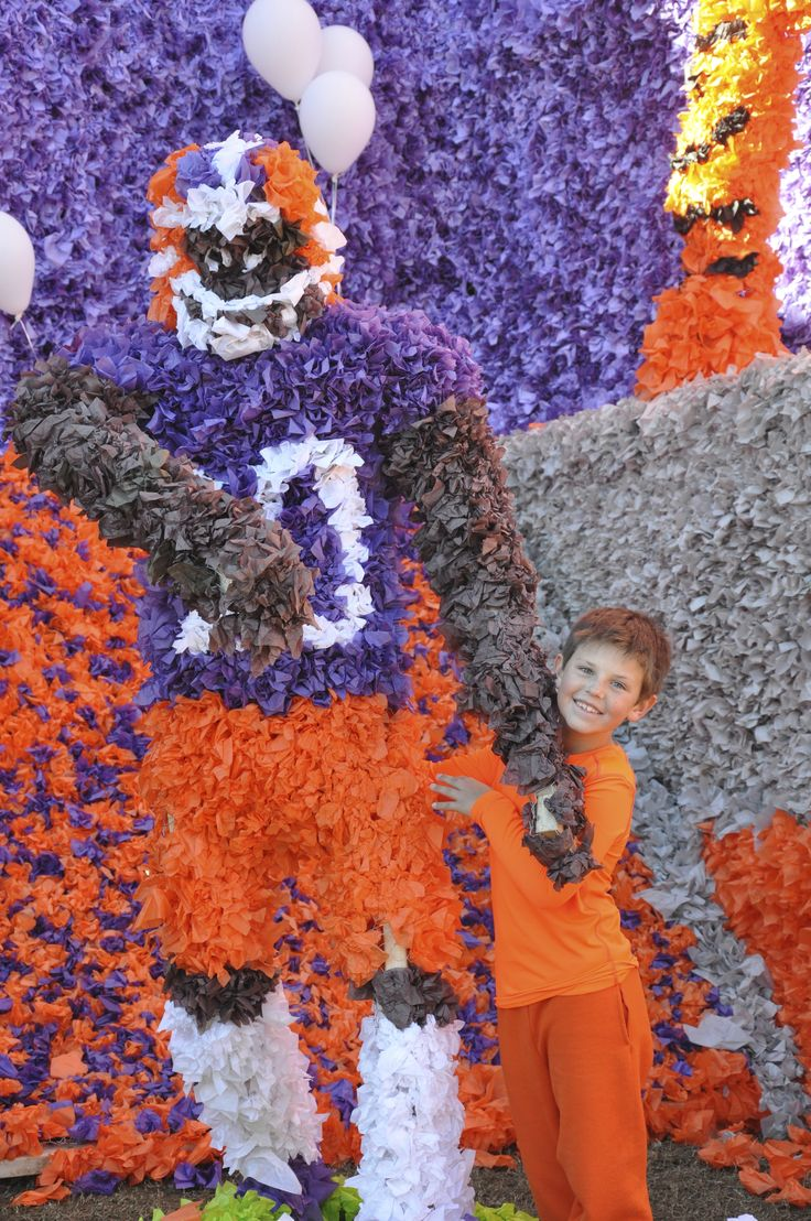 Pics photos homecoming parade float ideas - 78 Images About Parade Pomps Homecoming On Pinterest