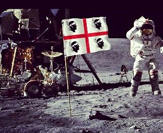 Bandiera sarda sulla luna - Universo