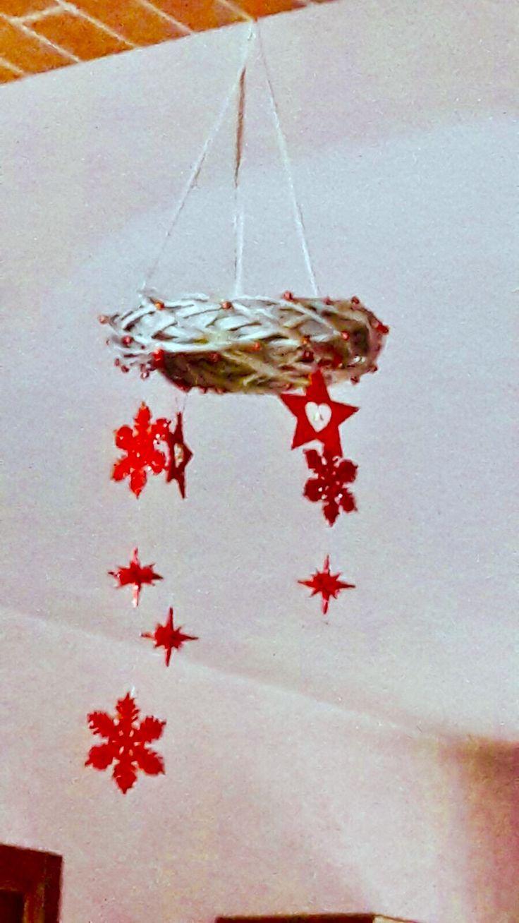 Ghirlanda con decorazioni pendenti 🎄