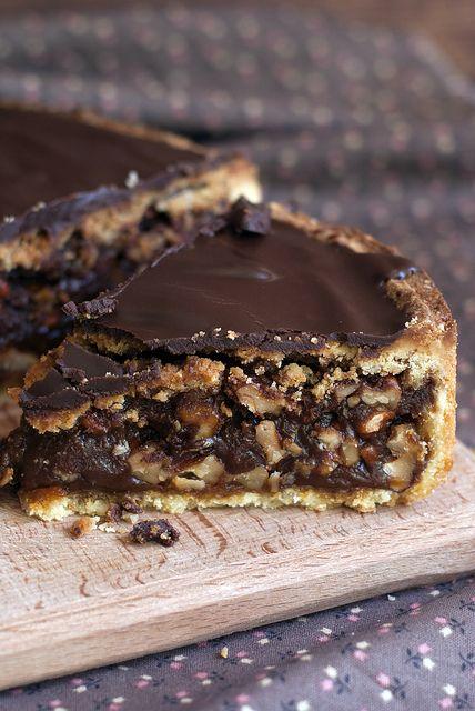 Шоколадно-карамельно-ореховый тарт