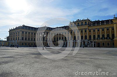 With over 1000 rooms, this palace is one of the most beautiful and faimous palace in Austria. #castle #austria #schonbrunn #travel #places #destination