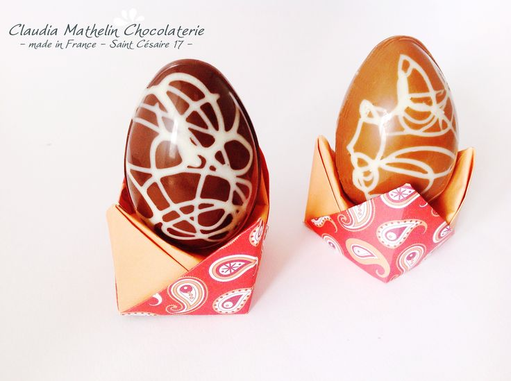 Oeuf Chocolat et Coquetier Origami Chocolate Eggs and origami egg-cup