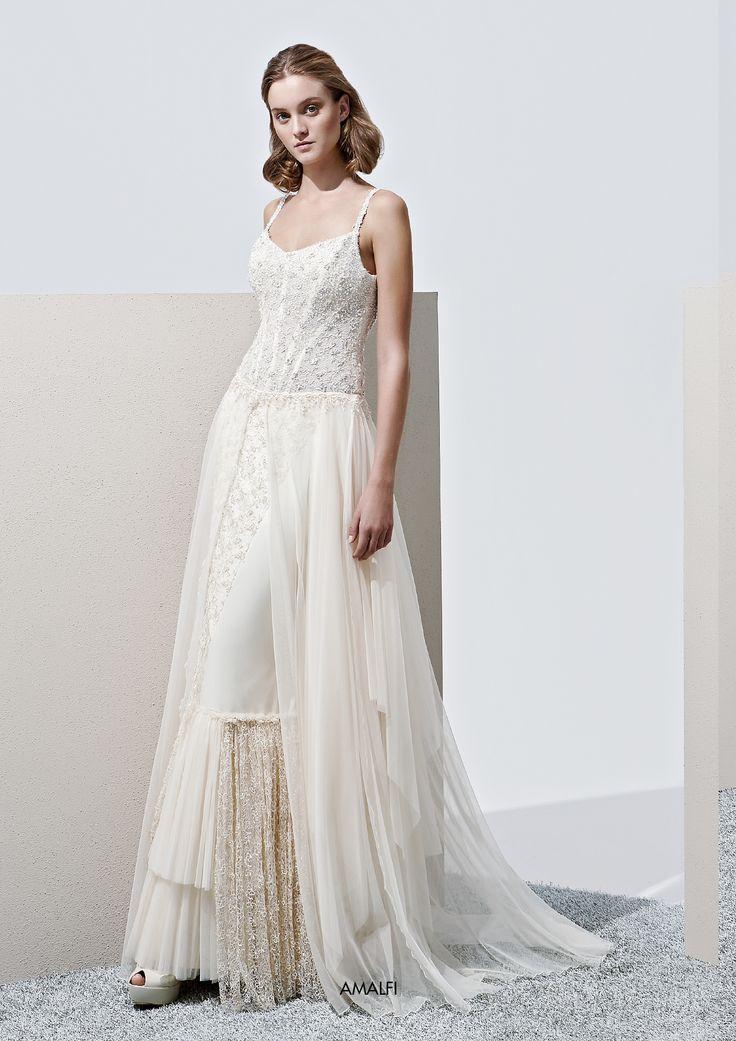 "Collezione Privée 2015 - Elisabetta Polignano Modello ""Amalfi"": gonna frastagliata di dettagli e ricami #wedding #weddingdress #weddinggown #abitodasposa"