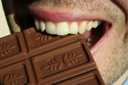 Стресс на работе, проблемы в семье, с друзьями или партнером, экзамены и печали: хорошая еда утешает.  Чувства понимают, уменьшить вес похудение.
