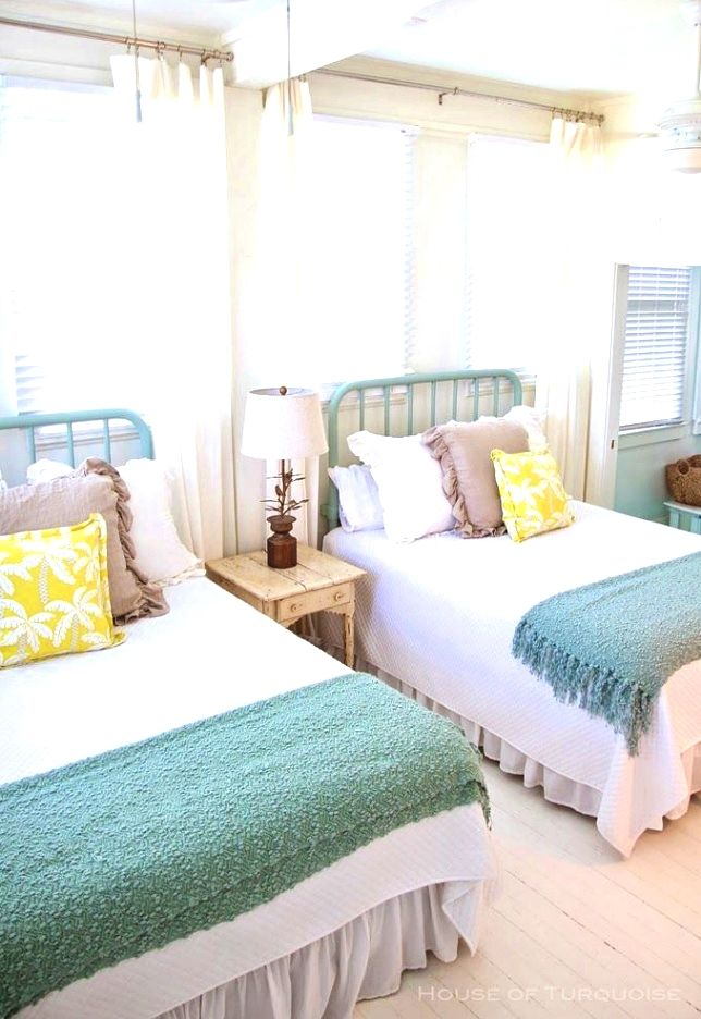 Bedroom Decor Hacks Seriously Consider Small Details It Will Be Easy To Make A Good Look By Making Coastal Bedroom Decorating Guest Bedrooms Coastal Bedrooms