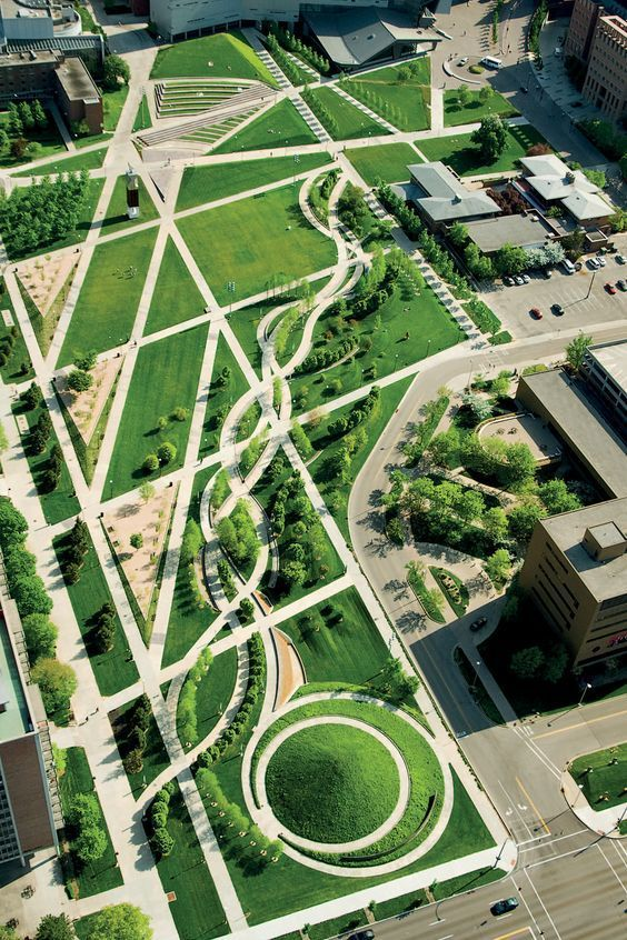Building upon the master plan by Hargreaves Associates for the University of Cincinnati, Campus Green transforms an asphalt parking lot into open lawns, gardens and an arboretum.