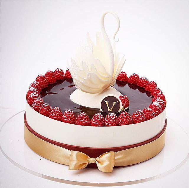 Gâteau princesse Cygne fait et conçu pour le #okmycake #dessertmasters victorien …  – Cakes