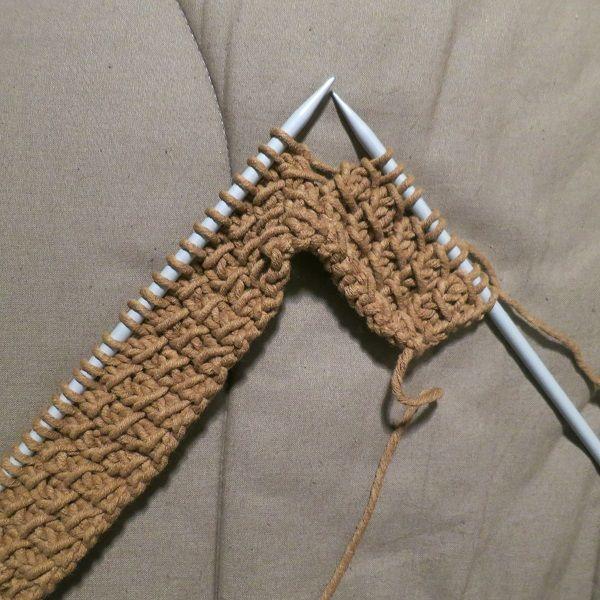 Tuto tricot: le maxi col à boutons, point de bambou.
