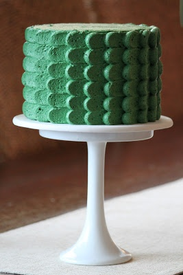 emerald buttercream scallop cake | #weddingcake #emerald #coloroftheyear- emerald is the color of prosperity-- possible wedding color