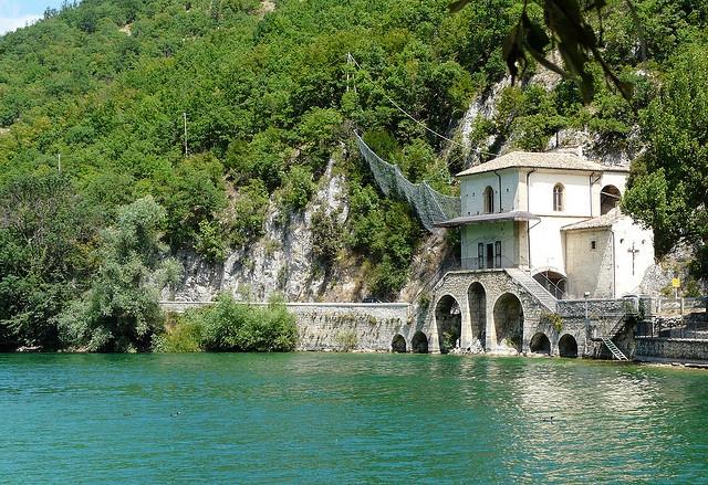 Lago di Scanno in #Abruzzo - www.BedAndBreakfastItalia.com #Italy