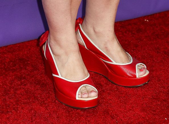 Alex Borstein Photos Photos - Actress Alex Borstein (shoe detail) attends Fox's 'Girls Night Out' at Leonard H. Goldenson Theatre on June 9, 2014 in North Hollywood, California. - Fox's 'Girls Night Out' Event in Hollywood
