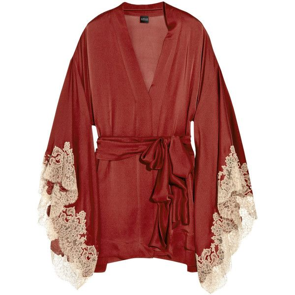 Carine Gilson Thème Céres silk-satin kimono (€727) ❤ liked on Polyvore featuring intimates, robes, tie belt, silk satin robe, crimson kimono, long sleeve kimono и carine gilson