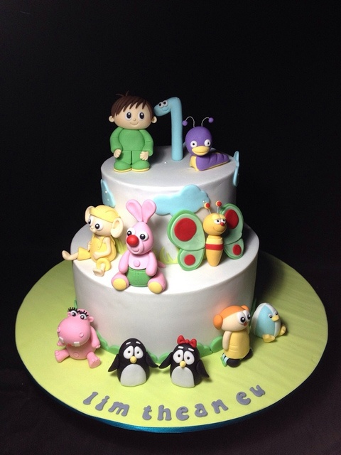 Babytv cakes & cupcakes by weennee, via Flickr