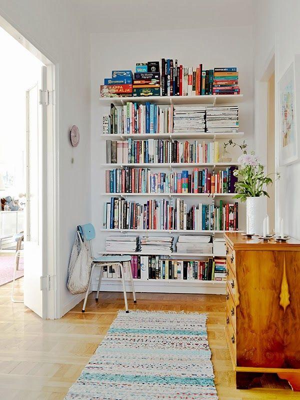 Bücherpräsentation: Einfaches Regalsystem, tolles Arrangement