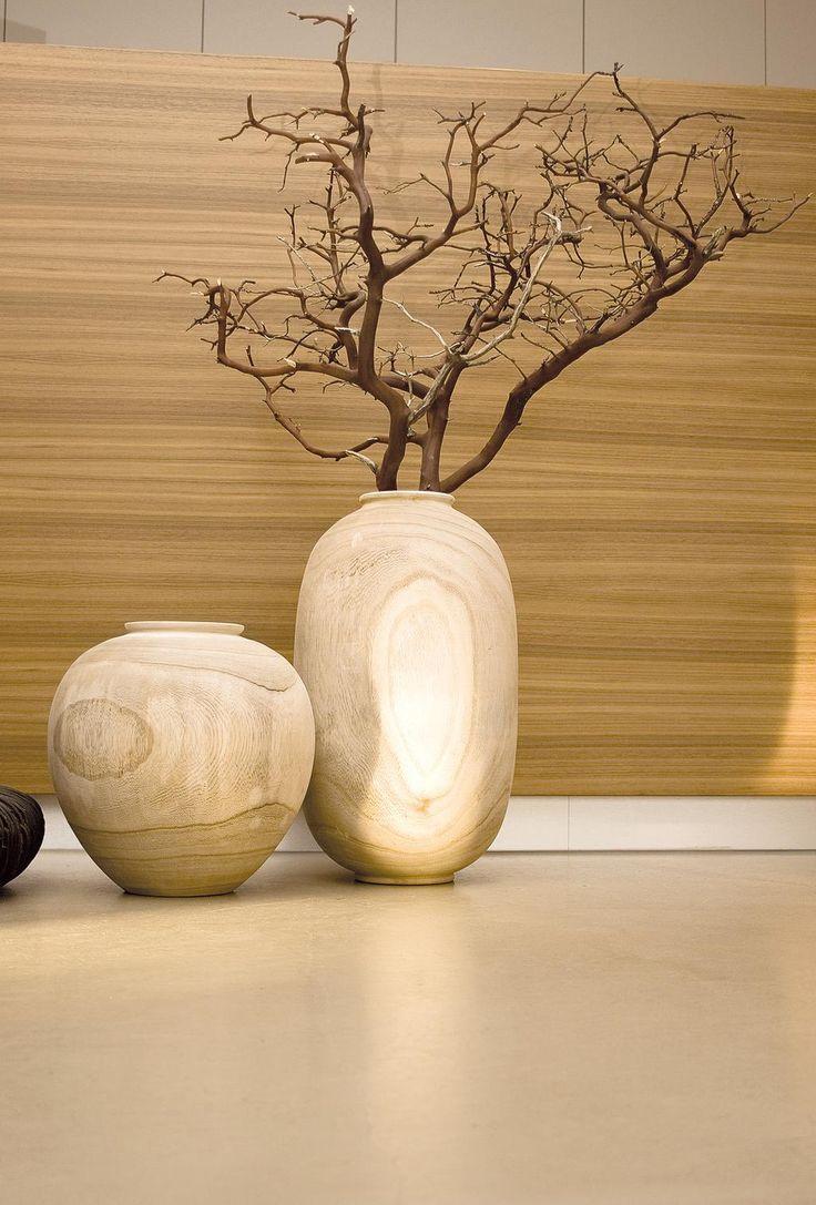 Holzvase WOODY VASE aus Paulownia-Holz von Hand gedreht. Jedes Stück ist ein Unikat. Natur. http://www.deSaive-deSign.de/Holzvase-WOODY-VASE…
