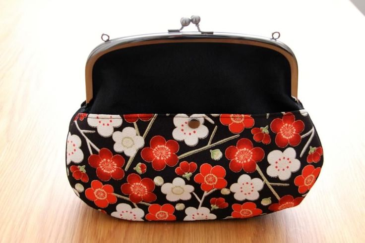 We haven't gone away, check us out! http://goo.gl/X9qAVC! Brighten up your day! #japanese #bags #accessories