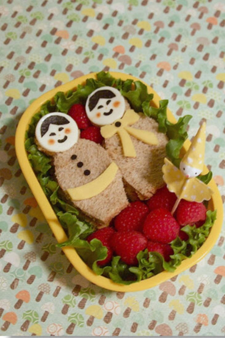 Matryoshka Bento.                                      So easy to make? Cut the bread with your cookie cutters.                              By Frugal cafe