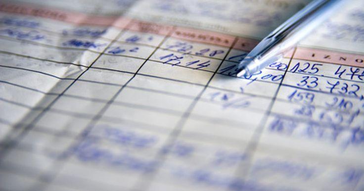 Como preencher um formulário de fatura. As faturas são formulários que fornecem informações aos clientes. Suas categorias incluem: vendas, ordens de serviço, cotações, estimativas e compras. Geralmente, porém, as faturas são formulários utilizados para mostrar quanto dinheiro o cliente deve pagar a você. As informações devem ser exibidas de maneira clara e compreensível, de forma que os ...