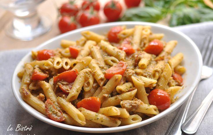 La Pasta alla Carlofortina è un primo piatto facile e buonissimo. Pochi ingredienti per un primo davvero come pochi. Provare per credere.