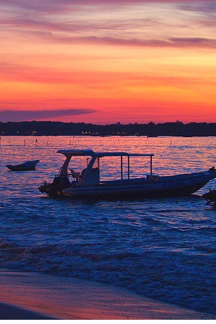 Nusa Lembongan Sunset, Indonesia. Don't forget when traveling that electronic pickpockets are everywhere. Always stay protected with an Rfid Blocking travel wallet. https://igogeer.com for more information. #igogeer