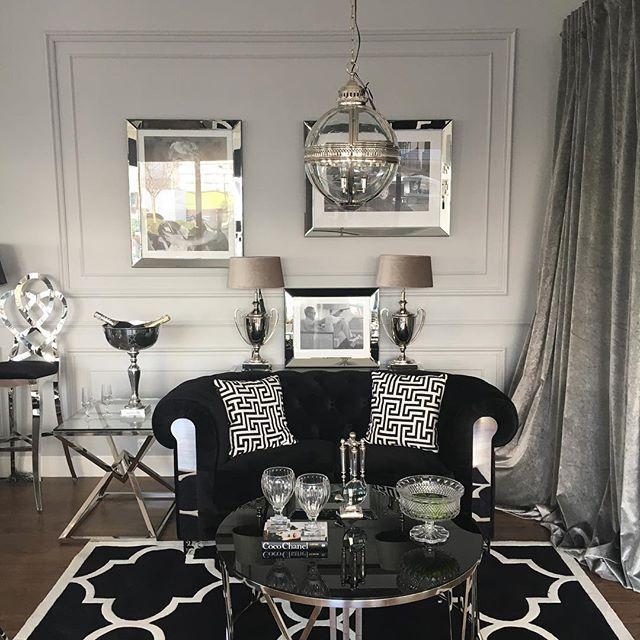 #newcollection2017 #coffetable #eichholtz #tablelamp #stolikkawowy #lampa #obraz #merlinmonroe #jamesbond #carpet #marrocan #meblestalowe #modernclassic #glamour #livingroom #livingroomideas #salon #inspiracje #architektwnetrz #современнаяклассика