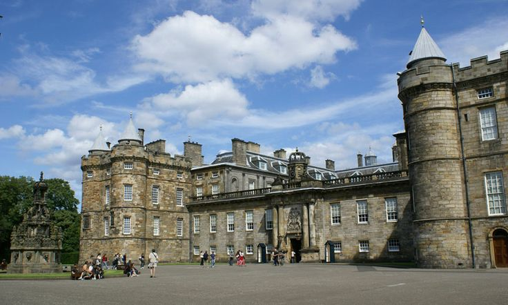 Дворец Холирудхаус 	  Palace of Holyroodhouse
