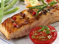 Rybí recepty Petra Stupky: polévka, pstruh cibulář, pudink ze slanečků