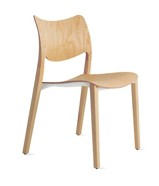 Laclasica Wooden Chair by STUA / Product available on HomeLovers.pl