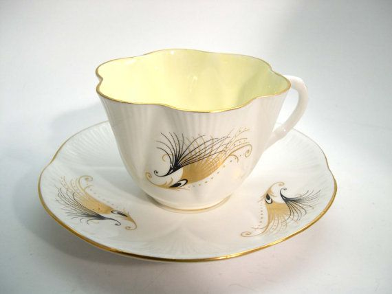 Superb SHELLEY Tea Cup And Saucer Shelley Gold and Black Feathers teacup set White and