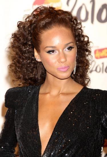 Alicia Keys curly/wave ponytail