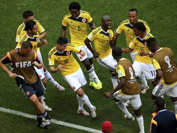 james rodriguez celebrando gol en el mundial brasil 2014 - Buscar con Google