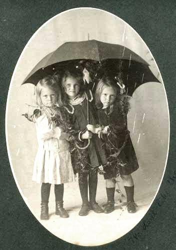 Little Girls In The Rain