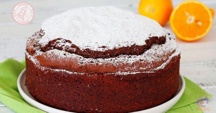 La torta acqua cioccolato e arance una torta senza burro nè uova nè latte e senza tutto praticamente ma soffice e buonissima. Semplice da preparare.