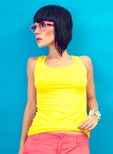 Te anuntam cu mare drag ca am lansat o noua categorie pe magazinul online Matar.ro: Fashion Trends. Aici vei regasi ultimele trenduri in materie de moda din acest an. Am ales sa venim cu aceasta noutate dintr-un motiv simplu: sa usuram alegerea articolelor tale preferate. In prezent Categoria Fashion Trends include urmatoarele subcategorii: Alb-negru, Poarta rosu, Poarta albastru, Imprimeu floral si Color blocking.