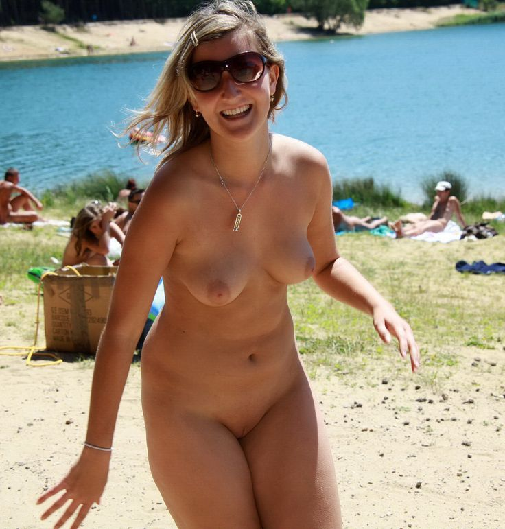 Nude ff woman pictures beach