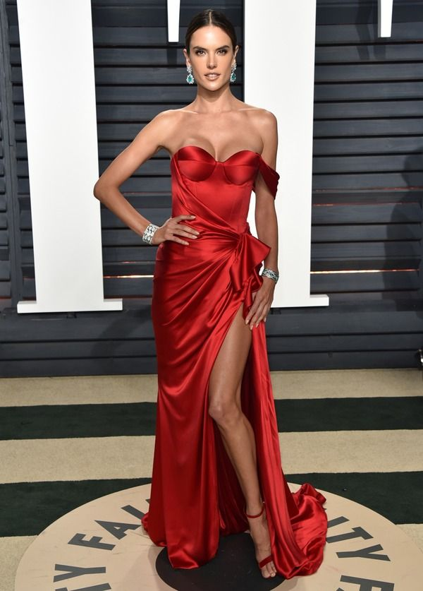 Alessandra Ambrosio in Ralph & Russo at Vanity Fair 2017, Алессандра Амбросио в Ralph & Russo Vanity Fair 2017