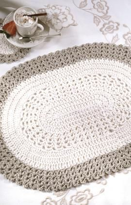 This would make a gorgeous rug...maybe hold 2 strands together and use a really large hook!: Places Mats, Coasters Crochet, Crochet Placemat, Rugs Patterns, Crochet Rugs, Red Heart, Free Patterns, Oval Placemat, Crochet Patterns