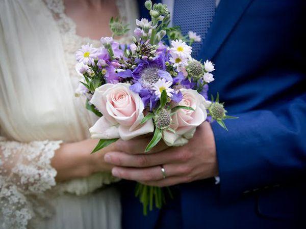 #bouquet: Simple Bouquets, Real Weddings, English Country Weddings, Weddings Sweet, English Weddings, Beauty Bouquets, Weddings Blog, Marian Flower, Purple Flower