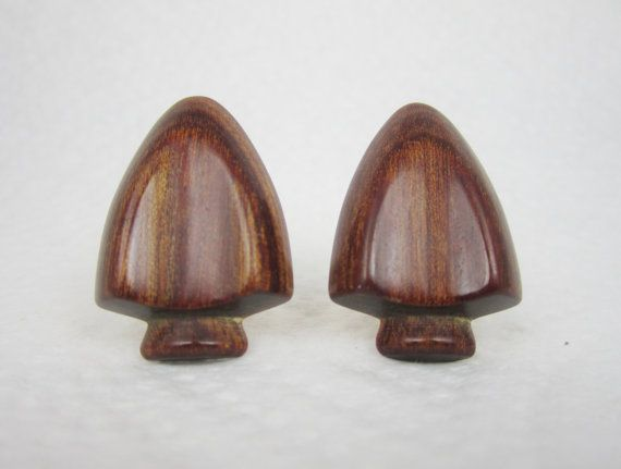 Vintage Cufflinks Wooden Arrowhhead Cuff Links by LadyandLibrarian, $86.00 #vintage #cufflinks #arrowhead #ladyandlibrarian