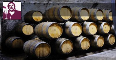 """""""L'Aglianico del Vulture è un vitigno autoctono, a bacca nera, coltivato in provincia di Potenza, in Basilicata, in vigneti ubicati ai piedi del Monte Vulture, un vulcano spento ormai da millenni."""""""